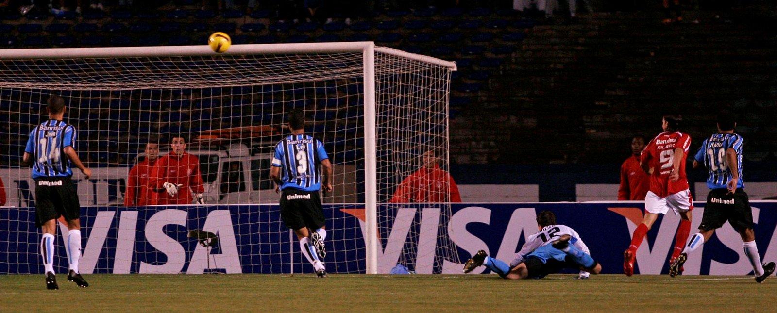 745dca7e8d Inter garante a vaga. E perde a vergonha