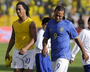 FBL-WC2010-QUALIFIERS-ECU-BRA
