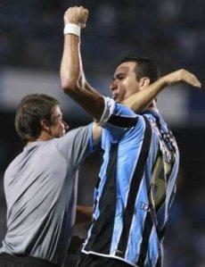 Réver e Marcelo Rospide, duas das afirmações do Grêmio na primeira fase. Foto: yahooesportes