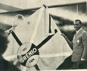 Everaldo, a estrela dourada. Foto: gremio.net