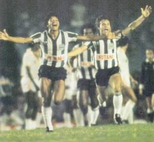Comemoração do primeiro gol do Coritiba campeão brasileiro em 1985.